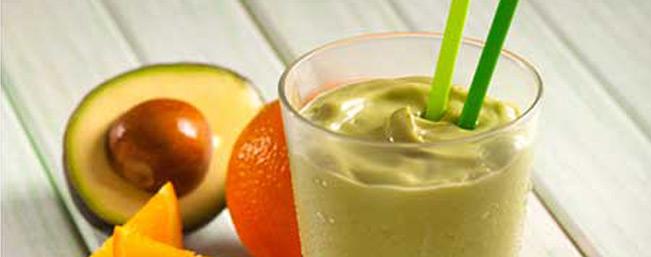 アボカドとオレンジジュースのヨーグルトスムージー