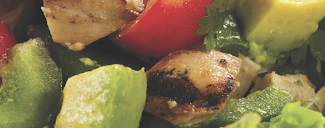 チキンとアボカドのサラダ