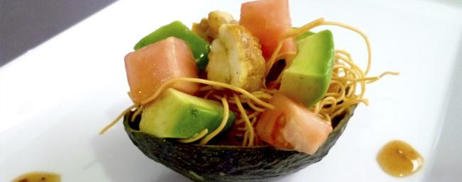 アボカドとアゲソバのカレー風味サラダ