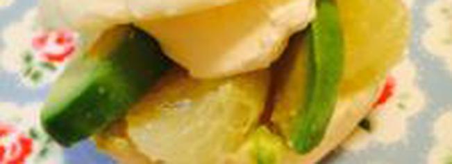 アボカドとグレープフルーツのさっぱりバーガー