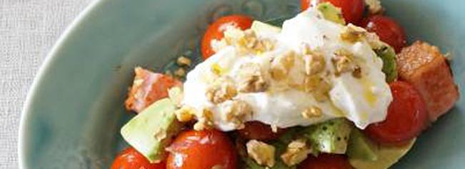 アボカドと水切りヨーグルトのサラダ