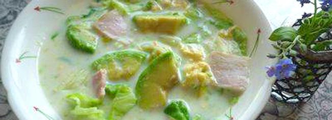アボカドとレタスのミルクスープ