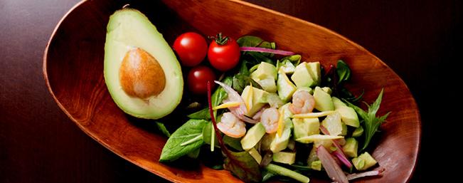 【5月】グレープフルーツ、エビとアボガドのサラダ(154 kcal)