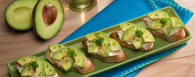 アボカド&シェーヴルチーズのトースト