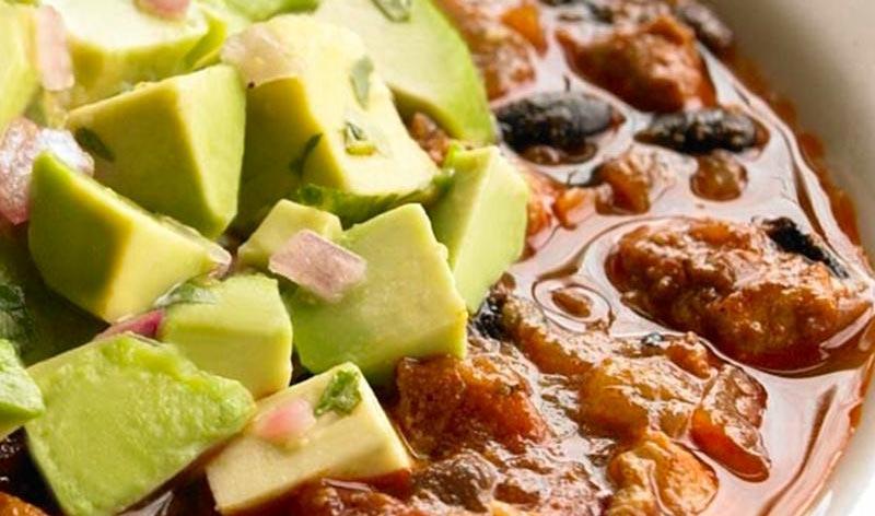ロースト肉と黒豆のチリアボカドサルサ