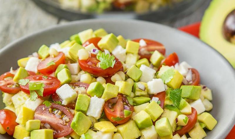 アボカドとトマトのフレッシュサラダ